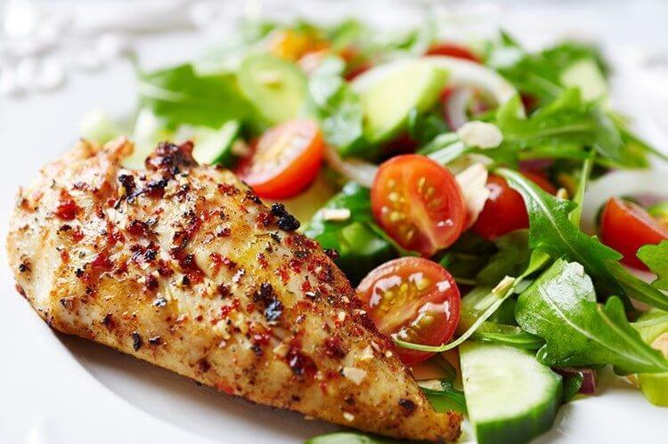 Skillet-Chicken-Herbs-with-Garden-Salad-1-750x499